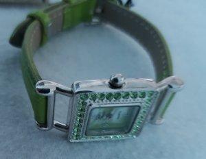 Orologio con cinturino di pelle verde prato