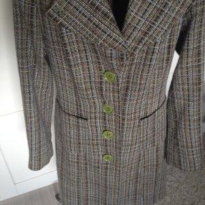 grüner gesteppter edler Mantel von Zero mit auffälligen grünen Knöfen Gr. 36