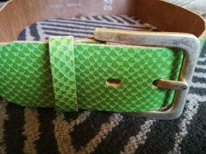 grüner Ledergürtel in Krokooptik Größe 85