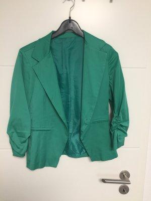 Grüner leichter Blazer mit 3/4 Arm und Raffung