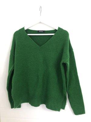 Grüner V- Ausschnitt Pullover