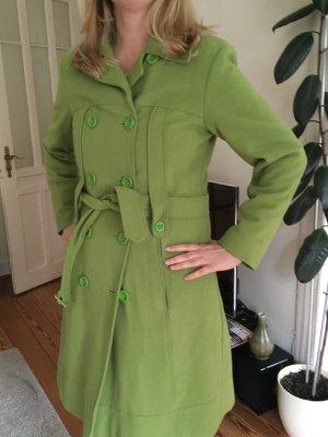 Grüner warmer Retro Mantel, Gr. 40 sucht neuen Liebhaber