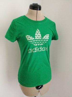 grünes Adidas T-Shirt mit Silber Logo