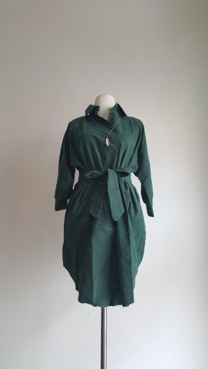 Grünes Blusenkleid mit Gürtelband
