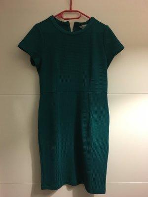 Grünes H&M Kleid kurzärmlig