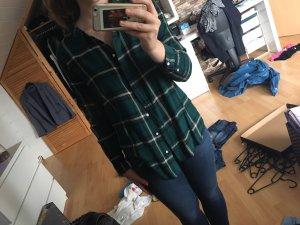 Grünes Hemd
