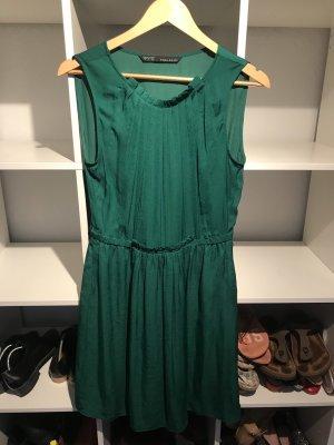 Grünes Kleid Größe S