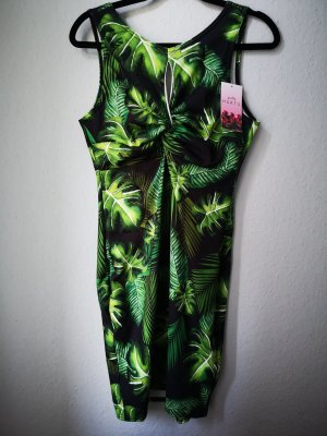 grünes Kleid von Beauty Hurts