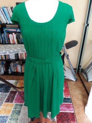 Grünes Kleid von Esprit Gr. 38