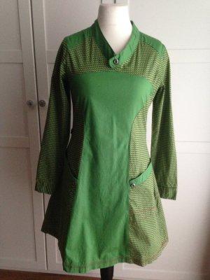 Grünes Kleid von Skunkfunk Gr. 38/40