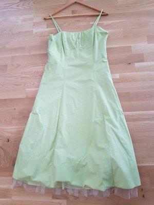 Grünes Kleid von Vera Mont