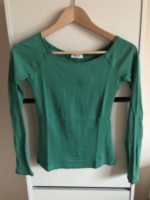 Grünes Langarmshirt mit Carmen-Ausschnitt