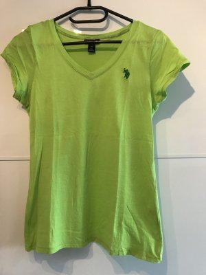 Grünes Polo Shirt