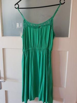 Grünes Sommerkleid H&M