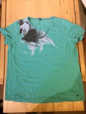 grünes (Sport-) T-Shirt