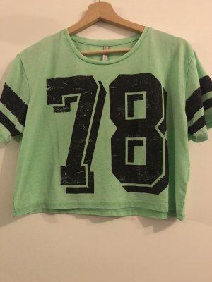 Grünes T-Shirt Größe XS