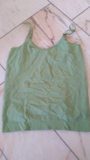 Grünes Top