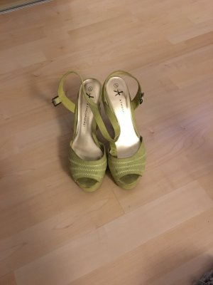 Grüngelbe Sandaletten *primark*
