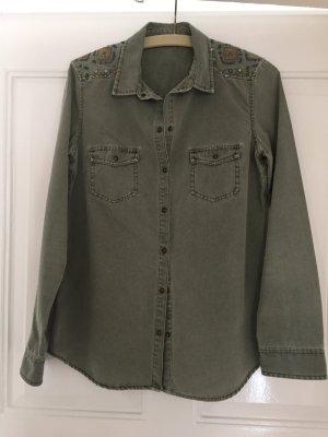 Grüngraues Hemd mit Verzierungen von Zara Trafaluc in Größe S
