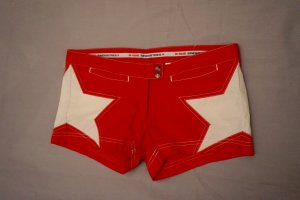 GSUS Industries Hotpants, Shorts, NEU, rot, weiße Sterne, Surf, Gr. 29, NP 59 €