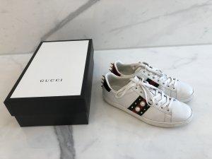 Gucci Ace Sneaker aus Leder mit Nieten Gr. 39