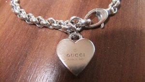 Gucci Armband mit Herzanhänger