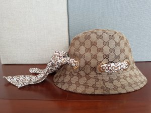 Gucci Hoed beige