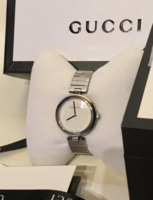 Gucci Watch With Metal Strap silver-colored-white