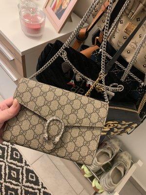 Gucci Dionysus Supreme Brieftasche mit Kette