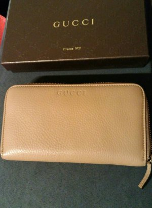 Gucci Accessory sand brown leather