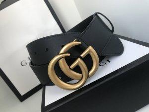 Gucci Gürtel aus Leder mit doppelter G schnalle
