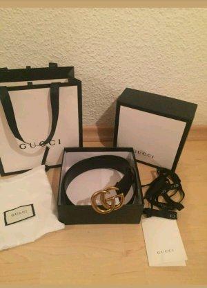 Gucci Gürtel schwarz mit goldenen w.neu