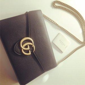 Gucci Henkeltasche schwarz mit goldener GG Schnalle