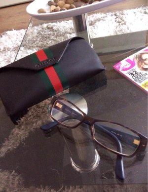Gucci Lesebrille für stilvolle Brillenträgerinnen + Etui