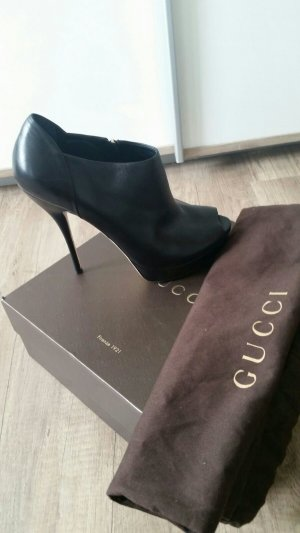 Gucci Peep Toe Booties black