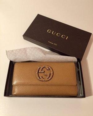 Gucci Portemonnaie aus Leder mit Nieten