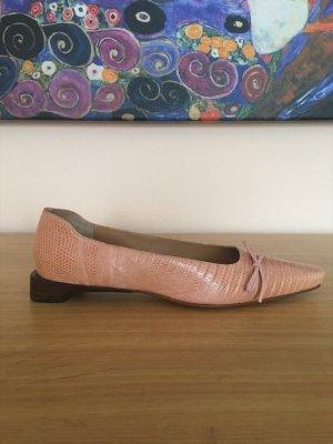 GUCCI Roséfarbene Loafer mit Schleife