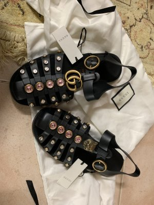 Gucci Sandale aus Kautschuk mit Kristallen