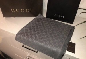 Gucci Schal grau