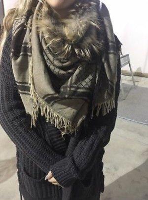 Gucci Schal mit Fuchspelz