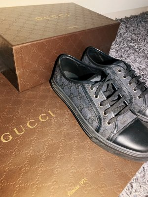 Gucci Lace-Up Sneaker black-grey