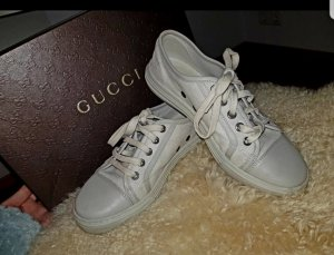 Chaussures basses de Gucci à bas prix   Seconde main   Prelved 923fb4e6fe0