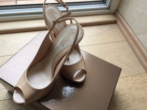 Gucci Slingback Pumps nude leather