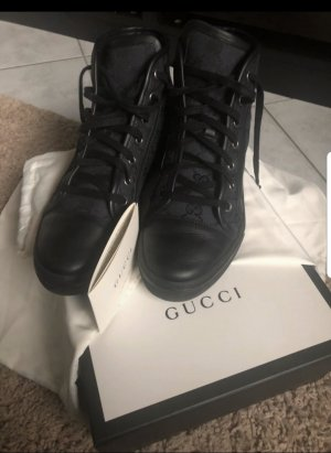 Gucci Sneaker Gr.37,5....fällt größer aus