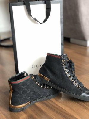 GUCCI Sneaker mit Gucci Emblem