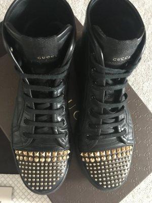 Gucci Sneaker schwarz / Nieten Gold Gr. 36,5