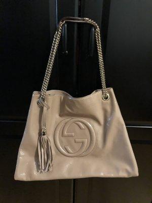 Gucci Soho Tasche chain shopper Handtasche weekender blush beige Lackleder large
