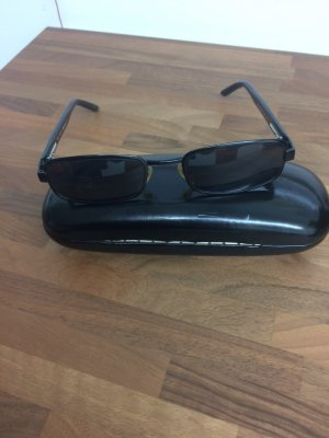 Gucci Angular Shaped Sunglasses black metal