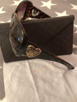 GUCCI Sonnenbrille mit goldfarbenen Herzen ❤