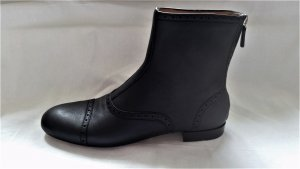 Gucci Zipper Booties black leather